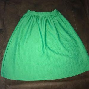 Green high waist textured midi skirt